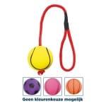 Trixie sportbal aan touw schuimrubber drijvend assorti (6X6X30 CM)