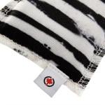 Canadian cat speelkussen zebra met catnip zwart / wit (10X7,5X1 CM)