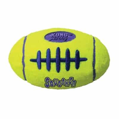 Kong air squeaker football geel (SMALL 9X5,5 CM)