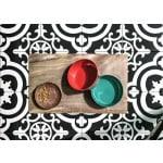 Tarhong voerbak hond olive melamine houtprint / teal zeegroen (15,5X15,5X5,5 CM 700 ML)
